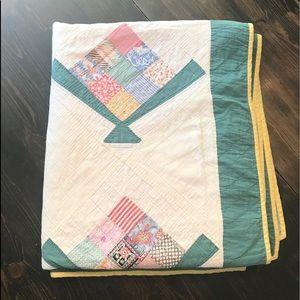Vinyage Handmade Full Quilt